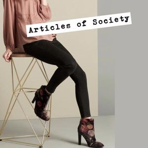 "ARTICLES OF SOCIETY ""Sarah"" Mid Rise Skinny Jeans"